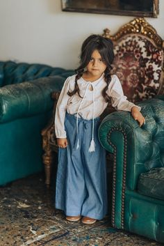 I wrote 'new collection' because Minouche just launched their A/W 2017 collection. Being based in Australia means things are literally upside down compared to us here in Europe or the US. However… we are not sweating yet and even Spring did not kick in. I think it is really worth checking out what they have …