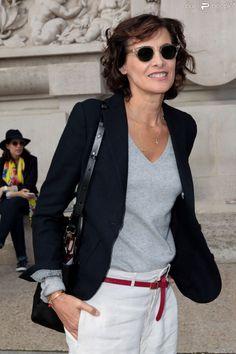 PHOTOS - Anna Dello Russo arrive au Grand Palais pour assister au défilé Carven printemps-été 2015. Paris, le 25 septembre 2014.