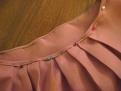 Bias Neckline (stitchinmysideregan) | 2: http://grainlinestudio.com/2012/02/15/sewing-tutorial-getting-flat-bias-necklines/
