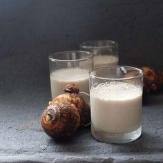 里芋のココナッツプリン 以前にも書きましたが、ホマレ姉さんの住むところは里芋の大変美味しい土地で、この辺の里芋を食べたら他の里芋は食べられない!…って言われるくらい旨いんです。