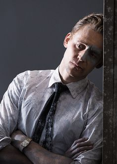 Tom Hiddleston as Dr Laing in High-Rise. Tom Hiddleston High Rise, Tom Hiddleston Funny, Black Eyed Peas, Bucky Barnes, Ben Barnes, Chris Hemsworth, Avengers, The Hollow Crown, Doctor Robert