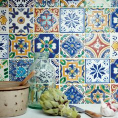 Acapulco Salazar - Fired Earth tiles for behind the hearth Wall And Floor Tiles, Wall Tiles, Cement Tiles, Mendoza, Patchwork Tiles, Patchwork Kitchen, Painting Tile Floors, Fired Earth, Happy Kitchen