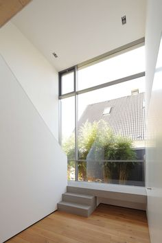 House in Paderborn by Architekten Wannenmacher + Möller GmbH 심플한 박공지붕의 독일 단독...