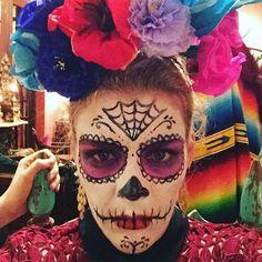 Pin for Later: Seht alle Halloween-Kostüme der Stars Busy Philipps als Skelett