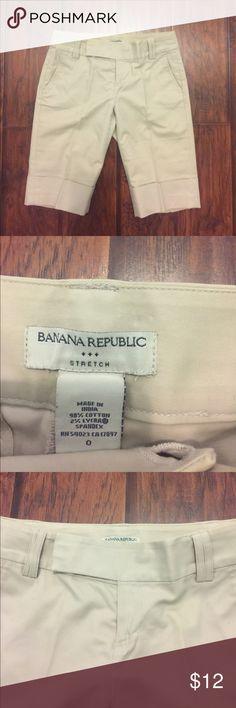 Banana Republic Capri Shorts EUC - slight mark right pocket but hardly noticeable other than that great! Banana Republic Shorts