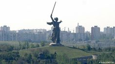 At the time of its construction in 1967, Motherland Calls in Volgograd, Russia, was declared the tallest statue in the world. It measures 87 meters from the tip of the sword to the plinth and is made of pre-stressed concrete. Two hundred steps, symbolizing the 200 days of the Battle of Stalingrad, lead up to the monument.