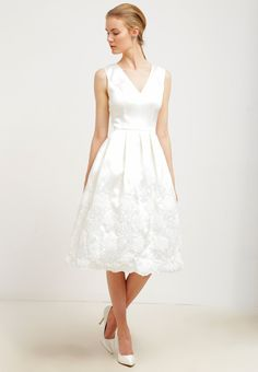 Chi Chi London PEARL - Cocktail dress / Party dress - white for £56.25 (17/01/16) with free delivery at Zalando