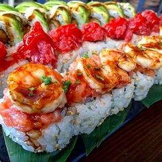 That is some super incredible looking sushi 👌🍣 Tag your best sushi loving amigos that you would love to eat this with! Japanese Food Sushi, Onigirazu, Romantic Dinner Recipes, Best Sushi, Food Goals, Aesthetic Food, Food Cravings, My Favorite Food, Seafood Recipes