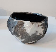 A chawan by Inayoshi Osamu at the Teaware On The Edge Exhibit