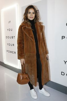 Miroslava Duma at Diane Von Furstenberg Fall 2016 Fashion Show #Fashion #Women_Style