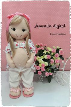 Apostila digital boneca grávida, com moldes e fotos do passo a passo.  Moldes em tamanho real, a boneca ficam com 37 cm.