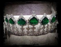 Diamond and emerald tiara by Pioneer Gems, at the 2014 Tucson Gem Fair