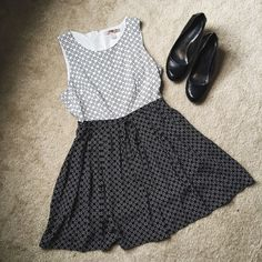 Forever 21 Contemporary B&W Patterned Dress  In pristine condition, this black and white Forever 21 Contemporary dress is an adorable outfit staple!   Pair with adorable shoes and a cute cross body for the perfect look!   ✨50% Viscose || 50% Polyester✨   NO TRADES!   ❗️But feel free to make an offer! ❗️ Forever 21 Dresses Midi