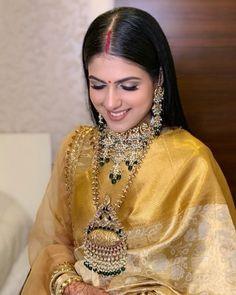 Indian Wedding Gowns, Indian Bridal Outfits, Indian Bridal Fashion, Indian Fashion Dresses, Indian Designer Outfits, Wedding Dress, Saree Designs Party Wear, Sari Blouse Designs, Saree Look
