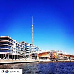 Fantastisk vær i #Oslo i dag. #reiseliv #reisetips #reiseblogger #reiseråd  #Repost @alovlund with @repostapp  Blå himmel over Tjuvholmen #astrupfearnley #tjuvholmen