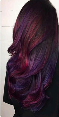 29 Dark Purple Hair Colour Ideas to Suit any Taste in 2019 – Hair Colour Style – Dyed Hair - Water Dark Purple Hair Color, Cool Hair Color, Purple Tips, Color Red, Burgundy Colour, Colour Colour, Fall Hair Colour, Ombre Purple Hair, Purple Burgundy Hair