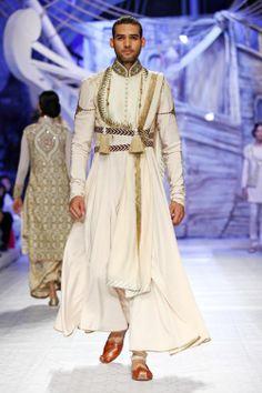 New fashion week men india ideas Indian Men Fashion, India Fashion, Asian Fashion, New Fashion, Fashion Week 2018, Bridal Fashion Week, La Bayadere, Indian Groom Wear, Fashion Designer