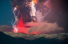 Les incroyables images d'une éruption volcanique