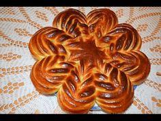 Flower of dough Deutsche Untertitel Czech Recipes, Turkish Recipes, Tear And Share Bread, Biscotti Biscuits, Bolo Red Velvet, Star Bread, Bread Kitchen, Bread Shaping, Braided Bread
