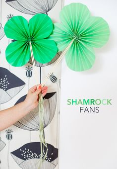 DIY Shamrock Paper Fans - it's easy and yes, there is still time! #stpatty #DIY
