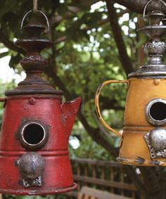 Another great find on Red & Yellow Coffee Pot Birdhouses - Set of Two - Gardening Pacer Homemade Bird Houses, Bird Houses Diy, Fairy Houses, Bird House Plans Free, Bird House Kits, Bird House Feeder, Bird Feeders, Birdhouse Designs, Diy Birdhouse