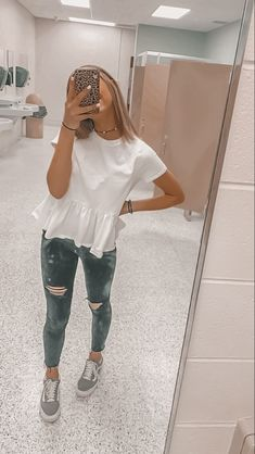 Trendy Fall Outfits, Casual School Outfits, Cute Teen Outfits, Cute Comfy Outfits, Teen Fashion Outfits, Teenager Outfits, Mode Outfits, Teenage Girl Outfits, Simple Outfits