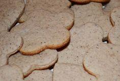 Fursecuri cu zahar #reteta  #desert Desert Recipes, Deserts, Cookies, Food, Crack Crackers, Desserts, Dessert, Biscuits, Postres