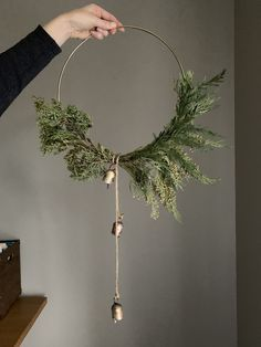 DIY Super simple and modern christmas wreath with hoop and gold bells, click through for item source links christmas decor diy Christmas Decoration Bohemian Christmas, Noel Christmas, Christmas 2019, Christmas Crafts, Nordic Christmas, Rustic Christmas, Christmas Tables, Diy Christmas Wedding, Christmas Yarn