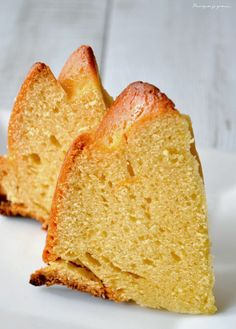 Bundt cake orange, amande & miel. Orange, almonds & honey bundt cake. http://pourquoi-je-grossis.blogspot.fr/2015/02/bundt-cake-orange-amande-miel.html