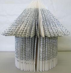 Ne jetez pas vos vieux livres ... la suite ! - Dans Ma Bonjotte Folded Book Art, Paper Book, Book Folding, Paper Folding, Paper Art, Origami And Kirigami, Origami Art, Book Crafts, Paper Crafts