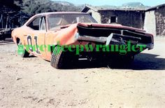 Rare and Behind the Scenes Pictures of the Dukes of Hazzard Plymouth Daytona, Dukes Of Hazard, Move Car, General Lee, Dodge Chargers, Rare Pictures, Old Ads, Dodge Challenger, Autos
