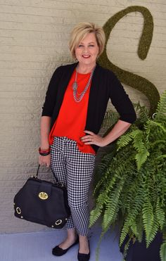 Fashion for women over 40. Houndstooth is a classic print. Fall fashion outfit. Perfect for women over 40, 50, and older!