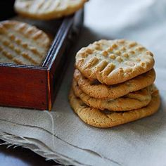 These peanut butter cookies are fun and easy to make with little ones. Perfect for cookies and gift exchanges.