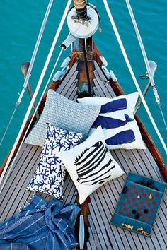 perfect boat ...with nautical looking throw pillows...fun