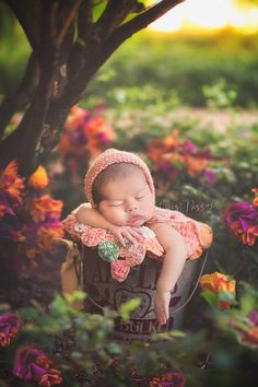 Cris Passos Photography. Boca Raton and Deerfield Beach, FL Photographer specialized in newborns, babies, maternity portrait photography. Studio and On location Photography