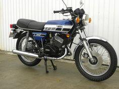 YAMAHA RD250C 1976 247cc MOT'd JANUARY 2014 | eBay Yamaha Motorcycles, Vintage Motorcycles, Cars And Motorcycles, Classic Motors, Classic Bikes, Motorised Bike, Japanese Motorcycle, Street Bikes, Bike Design