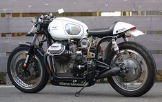 Ritmo Sereno street legal Guzzi ~ Return of the Cafe Racers
