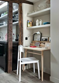 desk space-- Modern, Vintage And Contemporary in Harmony Small Apartments, Small Spaces, Alcove Desk, Bedroom Alcove, Small Apartment Interior, Small Space Storage, Desk Space, Office Workspace, Home Office Design