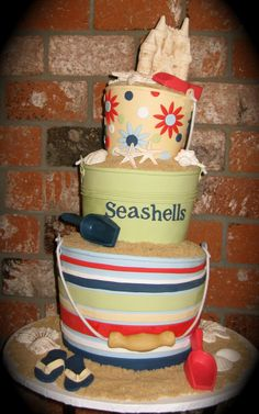 I just love the colours in this beach cake...