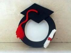 Risultati immagini per decoracion graduacion infantil Graduation Images, Graduation Crafts, Best Graduation Gifts, Kindergarten Graduation, Graduation Decorations, Graduation Party Decor, Grad Gifts, Diy Arts And Crafts, Felt Crafts