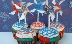 Welcome to Cupcake Tuesday! I'm so glad to have you! I have updated the Cupcake Heaven page, there are over 100 designs and recipes! Check it out!! Fourth of July is such a fun holiday, especially for a foodie like me! Last year I shared lots of recipes for some fun desserts, no-bake treats, drinks and of …
