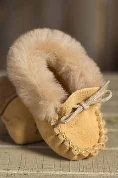 ommgggg adorable! Baby's Sueded Leather Moccasin Booties with Shearling Lining