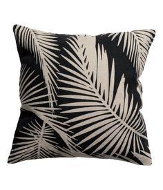 Linen cushion cover h+m Linen Pillows, Cushions, Throw Pillows, Home Living Room, Living Room Decor, Feminine Decor, H&m Home, Cool Patterns, Slim Fit