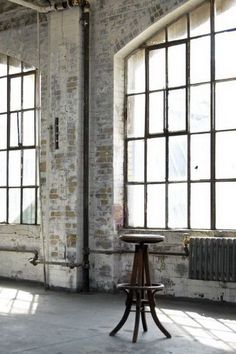 Awesome 39 Beautiful Warehouse Apartment Design Ideas With Exposed Brick Walls Industrial Windows, Industrial Living, Industrial House, Industrial Style, Industrial Apartment, Industrial Chair, Industrial Bedroom, Industrial Office, Industrial Bookshelf