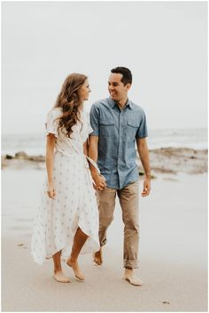 Beach Tower Engagement Session - Cait & Co. Photo engagement Beach Tower Engagement Session - Cait & Co. Beach Engagement Photos, Engagement Photo Outfits, Engagement Couple, Engagement Session, Country Engagement, Fall Engagement, Engagements, Picture Outfits, Couple Outfits