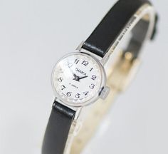 Minimalist Women Watch Small Ladies Wristwatch Round by SovietEra