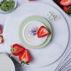 Matcha Panna Cotta (vegan & 5-ingredients) - Christie at Home Coconut Jelly, Coconut Cream, Coconut Milk, Matcha, Vegan Vegetarian, Panna Cotta, Healthy Recipes, Tableware, Ethnic Recipes