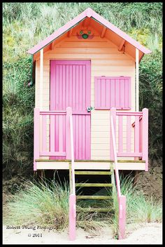 beach hut. One day I will own one of these!!