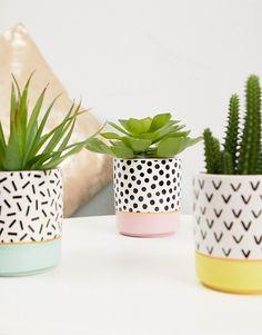 Sass & Belle set of 3 memphis plant pots Painted Plant Pots, Painted Flower Pots, Diy Concrete Planters, Diy Planters, Pottery Painting Designs, Flower Pot Design, Diy Projects For Beginners, Terracotta Pots, Plant Decor