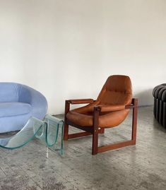 Home Furniture, Furniture Design, Vintage Furniture, Townhouse Interior, Interior Architecture, Interior Design, Aesthetic Room Decor, Sit Back And Relax, Trendy Home